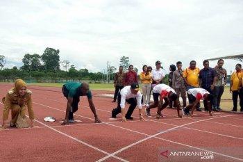 Jajal lintasan atletik Mimika Sport Complex