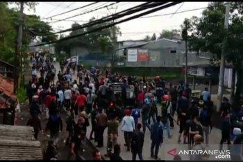 Dua ormas bentrok, polisi jaga ketat perbatasan Sukabumi-Cianjur