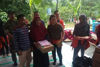 Relawan asal Jakarta  bangun rumah singgah untuk korban banjir Lebak