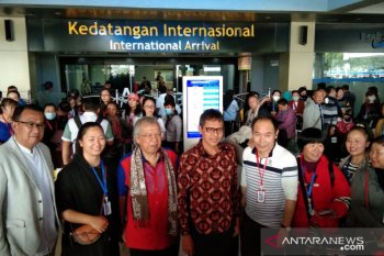 174 wisatawan dari Kunming China tiba di Bandara Minangkabau pada Minggu