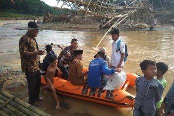 Pasca-bencana, QudwahCare Lebak bangun jembatan gantung