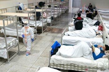 Pada Minggu kasus corona di China turun, namun jumlah kematian naik