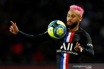 Pelatih PSG ragukan Neymar bisa tampil lawan Dortmund, karena cedera tulang rusuk