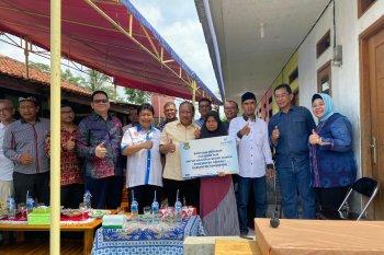 IKA Unpad Banten Bedah Rumah Mak Ati di Tangerang
