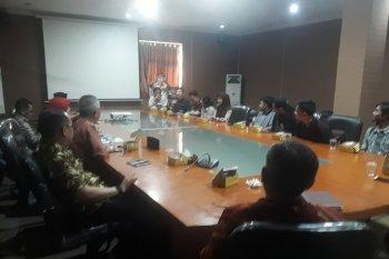 Mahasiswa yang dipulangkan dari China datangi Dinsos Banten