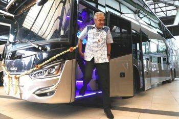 Gubernur Jateng lepas ekspor 10 bus tingkat ke Bangladesh