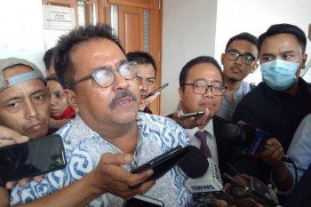 Rano Karno bantah terima uang Rp1,5 miliar dari  Wawan