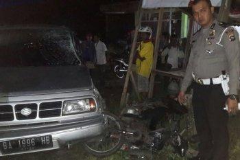 Ayah dan anak tewas dalam kecelakaan beruntun di Jalan Lintas Sumatera