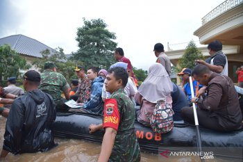 """Pemkab Bekasi tetapkan status """"tanggap darurat"""" banjir"""