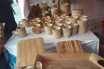 Usaha kerajinan bambu di pedalaman Lebak butuh pemasaran
