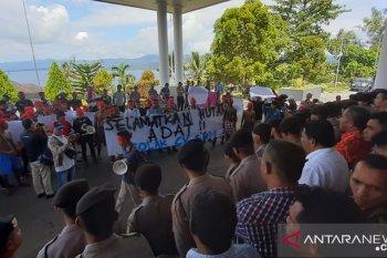 Mahasiswa dan masyarakat adat tuntut perusahaan IPK tinggalkan Sabuai