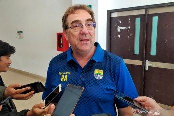 Robert targetkan Persib juarai dua kompetisi di 2020