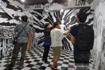 """Mural """"Art is Cinta"""" wujud cinta seniman Bengkulu untuk manusia dan lingkungan"""