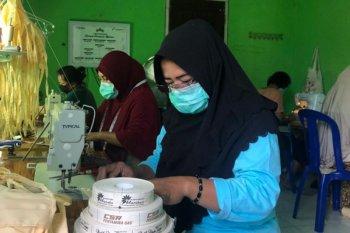 Kelompok binaan Pertagas produksi masker untuk cegah COVID-19