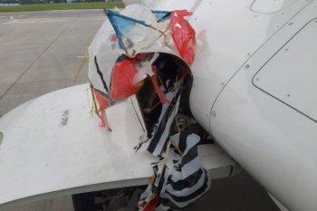 Roda pesawat tersangkut layangan saat mendarat di Bandara Adisutjipto