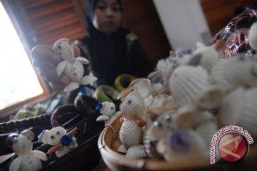 Masyarakat Serangan manfaatkan sampah laut untuk kerajinan