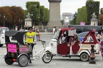 """""""Bajaj"""" gratis di Paris"""