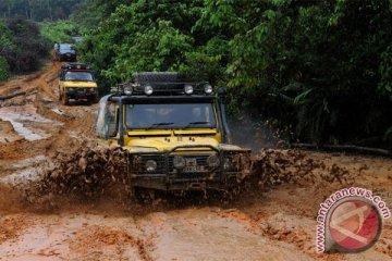 Land Rover tarik 36.000 SUV setelah dikritik Tiongkok