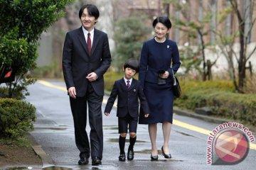 Masa depan kekaisaran Jepang berada di pundak pangeran usia 13 tahun