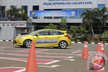 Ford selenggarakan latihan mengemudi bagi polisi