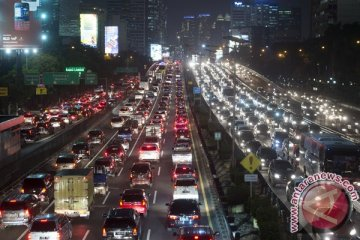 Kurangi macet dengan pembatasan kepemilikan mobil dan motor