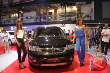 Peluncuran Dodge Journey 3.6L AWD di IIMS 2013