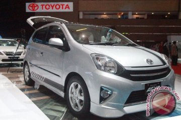 """Menjajal """"mobil murah"""" Toyota"""