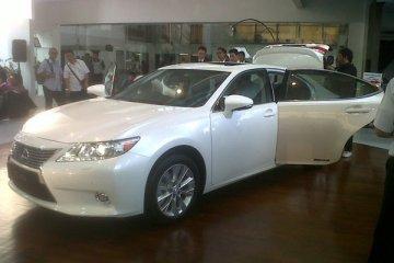 Lexus ES dijual dengan harga khusus