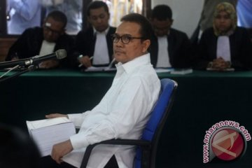 Rusli Zainal dituntut 17 Tahun Penjara
