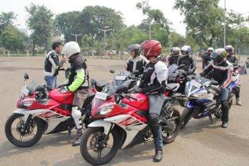 Komunitas Yamaha Revs CBU adakan defensive riding