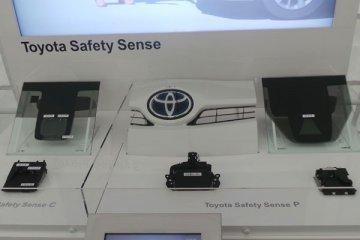"""Toyota  Safety Sense P """"anti-tabrak"""" pejalan kaki"""