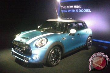 Mini Cooper hadirkan varian lima pintu