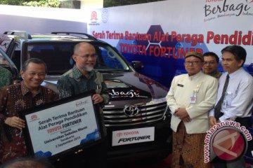 Toyota sumbang Fortuner untuk UNS Solo