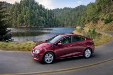 """Chevrolet Volt dinobatkan sebagai """"Green Car of the Year"""""""