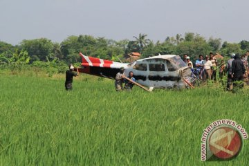 Evakuasi Bangkai Pesawat Jatuh