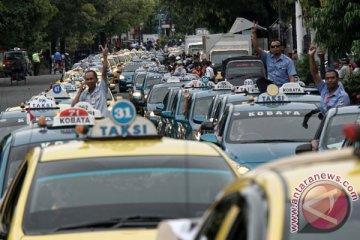 Organda ingin kesetaraan peraturan taksi