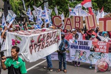 Tolak Upah Minimum Buruh Semarang