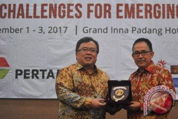 Menteri PPN Di Padang