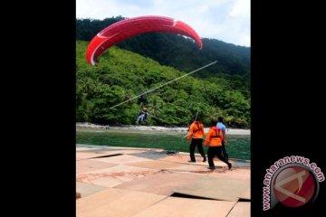 Rekor MURI Paralayang di Ambon