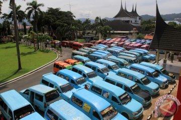 Unjuk Rasa Angkot Padang