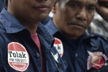 Kemarin, verifikasi parpol hingga demo taksi online