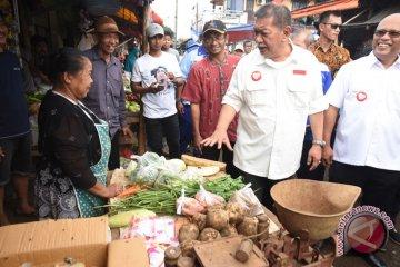 Deddy Mizwar kunjungi Pasar Cisalak