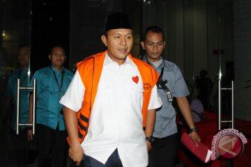 KPK Periksa Bupati Lampung Tengah
