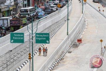 Uji coba underpass Mampang ditunda