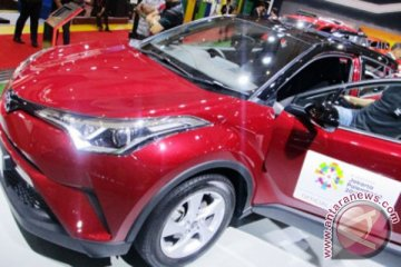 Toyota pelajari masukan konsumen soal C-HR Hybrid atau Turbo