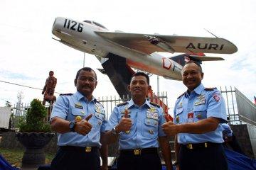 Monumen pesawat tempur TNI AU