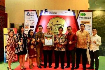 FIFGROUP juara umum Indonesia Human Capital Award 2018