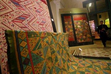 Pameran perkembangan batik Jakarta