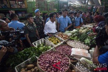 Presiden blusukan di pasar tradisional