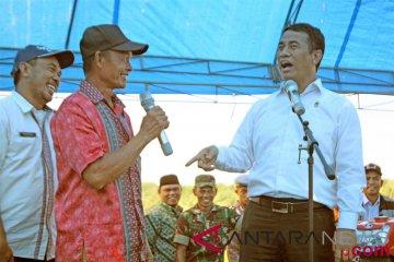Menteri beri bantuan petani Bombana